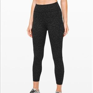 """Lululemon In Movement 25"""" tights LIKE NEW"""